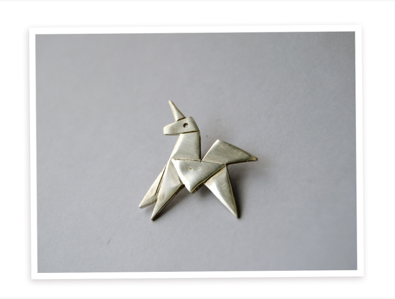 silver-unicorn-blade-runner